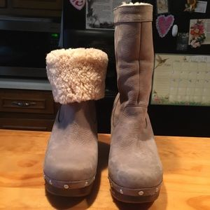 UGG Amoret Gray Suede Sheepskin Wedge Clogs Boots